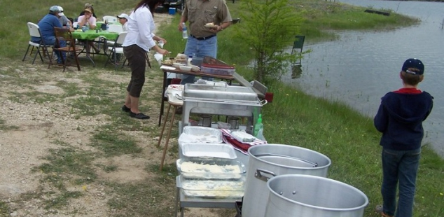 Almost lunch time at the Club Fish Fry at Cleburne Six O Ranch!